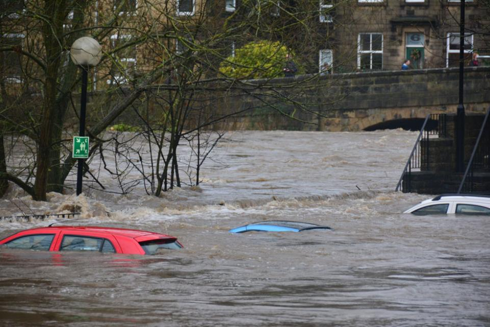 Flooding with cars underwater
